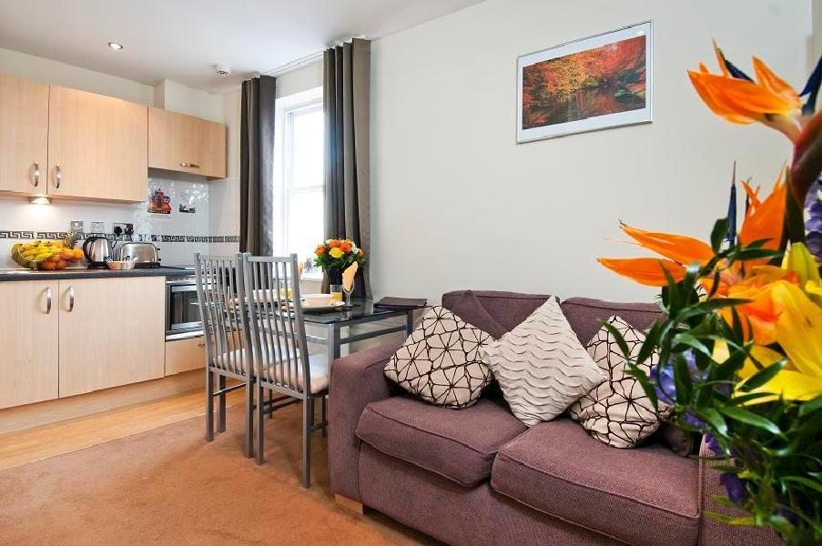 Aparthotel grand plaza serviced apartments londres for Apparthotel londres